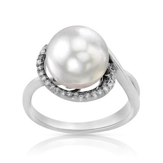 Radiance Pearl 14k Gold White South Sea Pearl and Diamond Accent Ring
