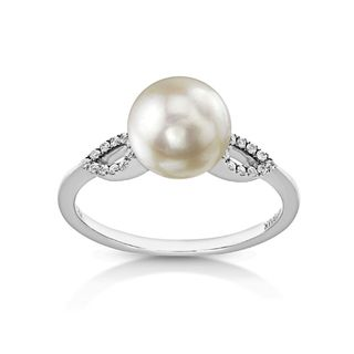 Radiance Pearl 14k Gold White Akoya Pearl and Diamond Accent Ring (8-8.5mm)