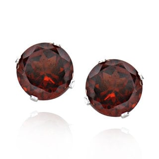 Sterling Silver Round Garnet Stud Earrings (China)