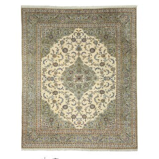 Hand-knotted Wool Ivory Traditional Oriental Kashan Rug (10' x 12'4)