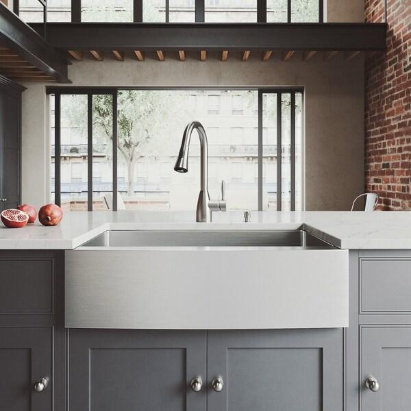VIGO Bedford 33-inch Farmhouse Kitchen Sink and Aylesbury Faucet Set