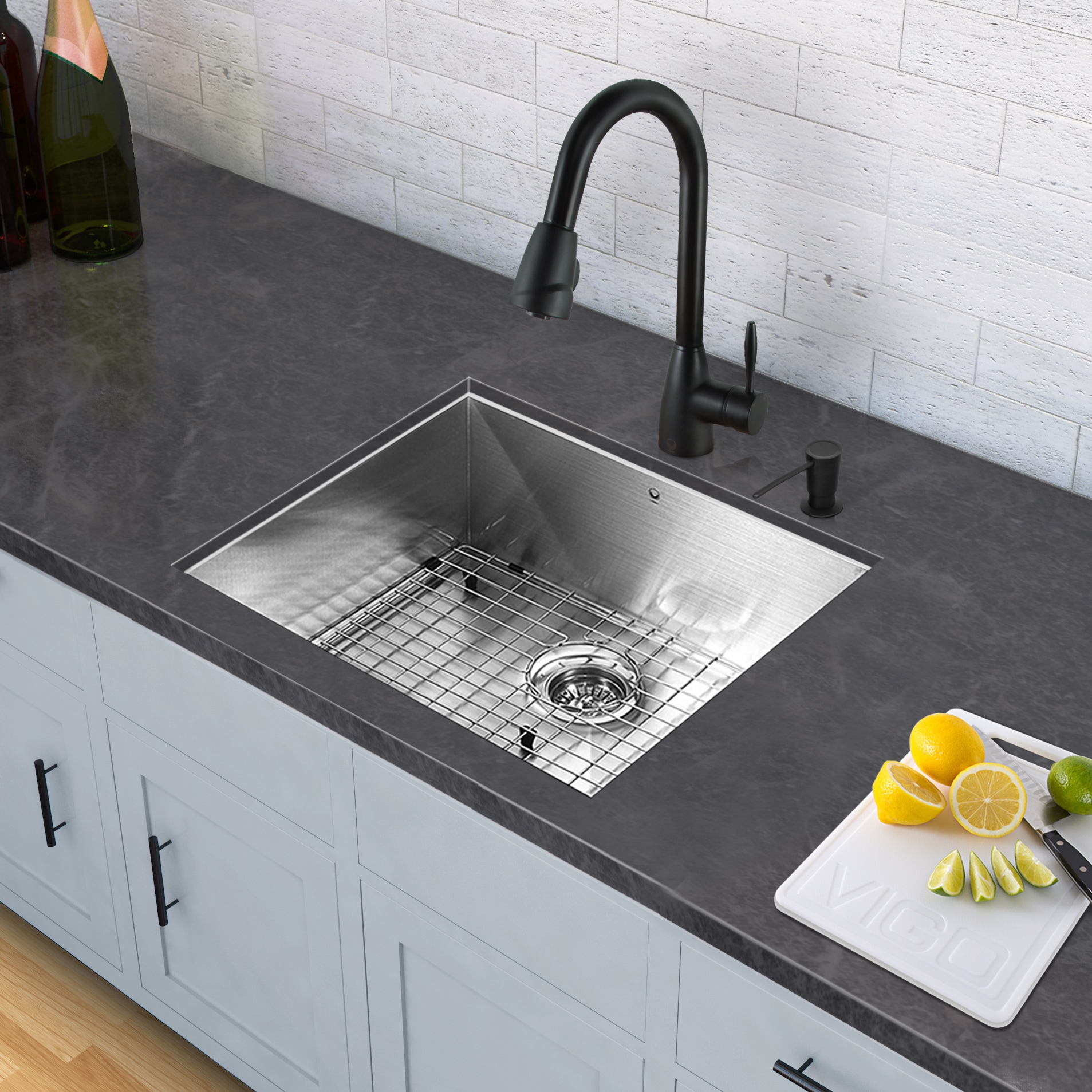 VIGO All-in-One 23-inch Stainless Steel Undermount Kitchen Sink and Graham  Matte Black Faucet Set