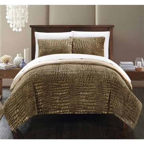 Chic Home Caimani Gold Faux Fur Queen 3-piece Comforter Set. Opens flyout.