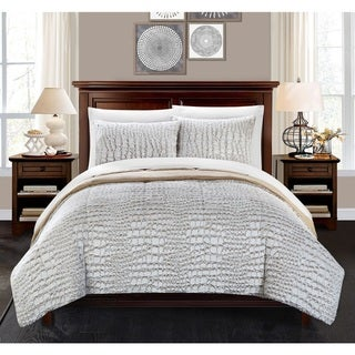Link to Chic Home Caimani Beige Faux Fur Queen 3-piece Comforter Set Similar Items in Comforter Sets