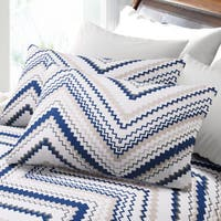 200-GSM Hemstitched Chevron Flannel Pillowcases (Set of 2)