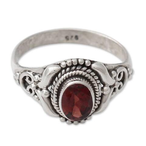 Handmade Sterling Silver 'Traditional Romantic' Garnet Ring (India)