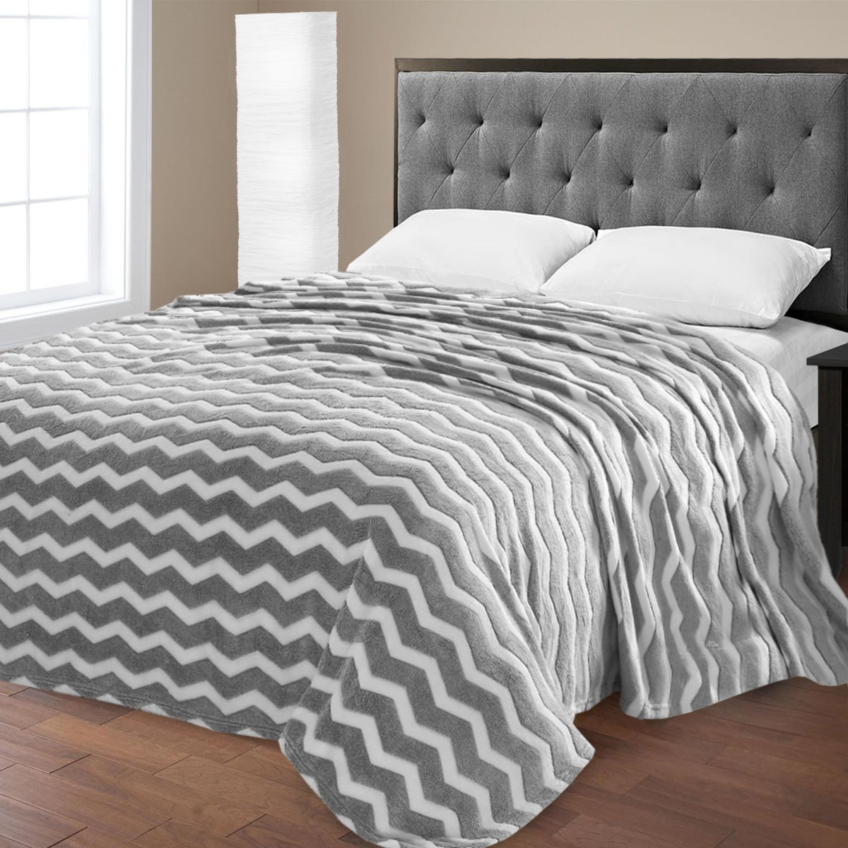N Super Plush Chevron Print Micro Fleece Blanket (Grey - ...