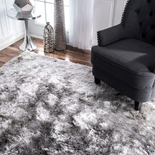 nuLOOM Handmade Soft and Plush Silken Solid Shag Silver Rug (8'6 x 11'6)