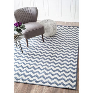 nuLOOM Alexa Chevron Vibe Zebra Light Blue/ White Runner Rug (2'8 x 7'11)