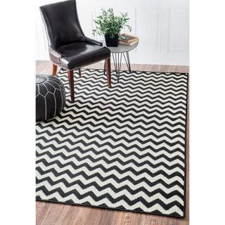 nuLOOM Alexa Chevron Vibe Zebra Black/ White Rug (2'8 x 7'11)