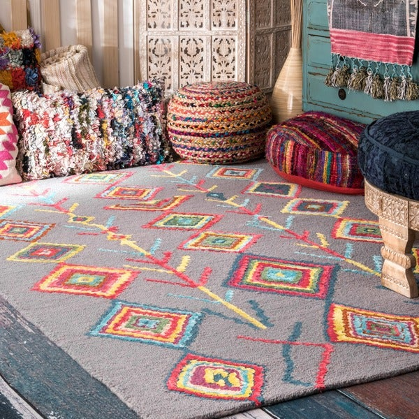 nuLOOM Contemporary Handmade Wool/ Viscose Moroccan Triangle Grey Rug (5' x 8')