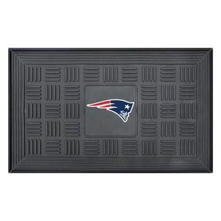FANMATS NFL New England Patriots Medallion Door Mat