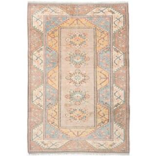 Ushak Khaki Wool Geometric Rectangular Rug (6'9 x 10'0)