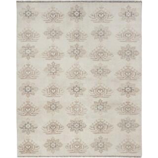 Royal Ushak Cream Wool Open Field Rectangular Rug (8'0 x 9'10)