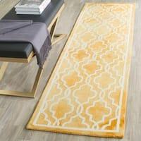 Safavieh Handmade Dip Dye Watercolor Vintage Gold/ Ivory Wool Rug (2'3 x 8')
