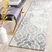 Safavieh Handmade Dip Dye Watercolor Vintage Grey/ Ivory Wool Rug - 2'3 x 6'