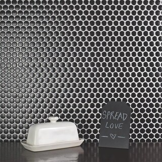 SomerTile 12x12.625-inch Penny Matte Black Porcelain Mosaic Floor and Wall Tile (10 tiles/10.2 sqft.)