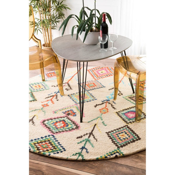 The Curated Nomad Escolta Handmade Moroccan Triangle Round Area Rug (6' Round)