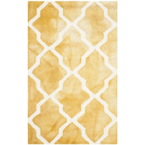 Safavieh Handmade Dip Dye Watercolor Vintage Gold/ Ivory Wool Rug - 2' x 3'