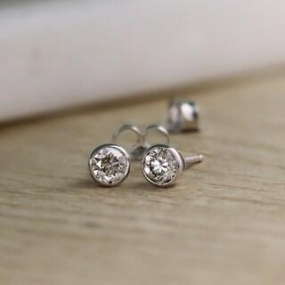 14K Gold Round 1/3ct TDW Bezel Set Diamond Stud Earrings by Auriya - White J-K