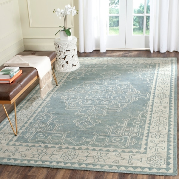 Safavieh Hand-Knotted Kenya Ivory/ Blue Wool Rug - 8' x 10'