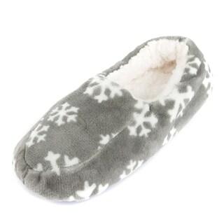 Leisureland Men's Fleece Lined Cozy Slippers Snowflakes