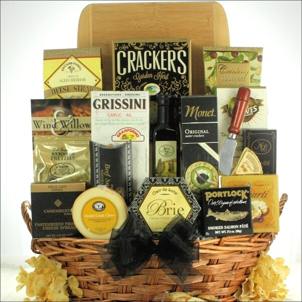 Grand Impressions Cheese and Snack Gift Basket