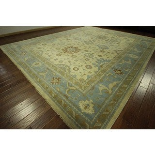 H8163 Elegant Oriental Ivory and Blue Oushak Hand-knotted Wool Area Rug (12' x 15')