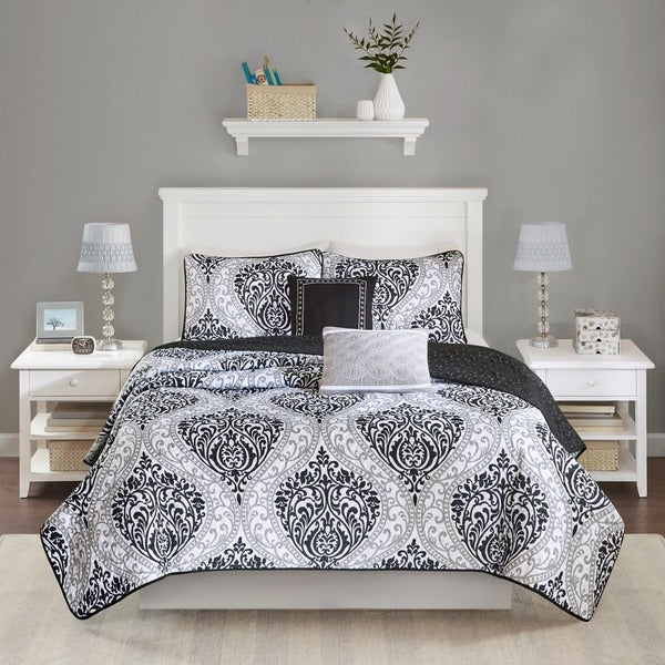 Intelligent Design Sydney Black Coverlet Set