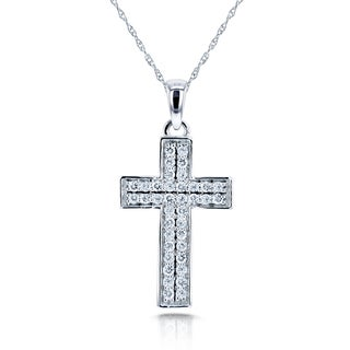 Annello by Kobelli 10k White Gold 3/8ct TDW Pave Diamond Cross Necklace (H-I, I2)