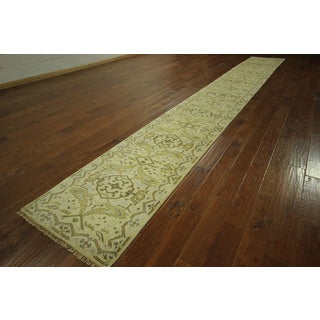 H3117 Ivory Antiqued Turkish Hand-knotted Wool Runner Rug (2'6 x 20')