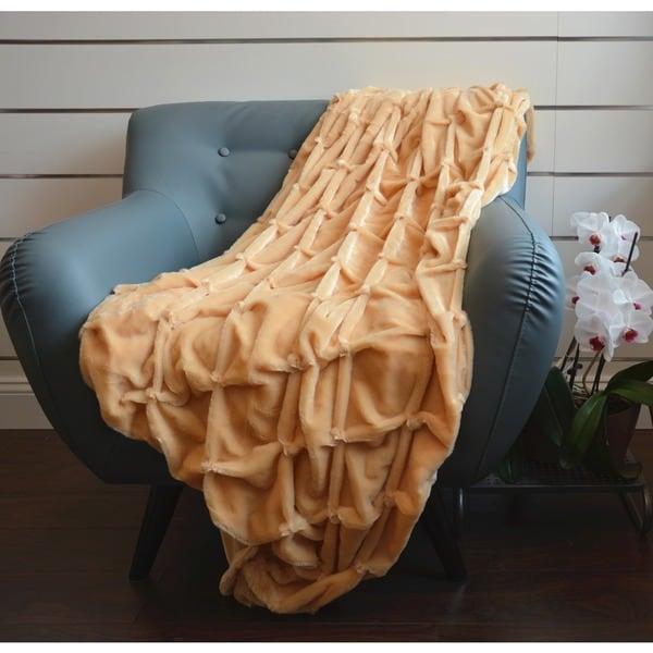 De Moocci PV Plush Soft Handicraft Throw