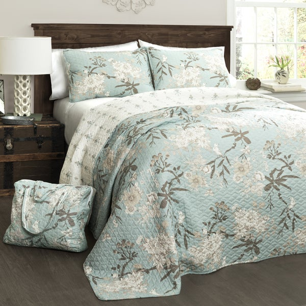 Lush Decor Botanical Garden 4-Piece Quilt Set with Bonus Quilted Bag