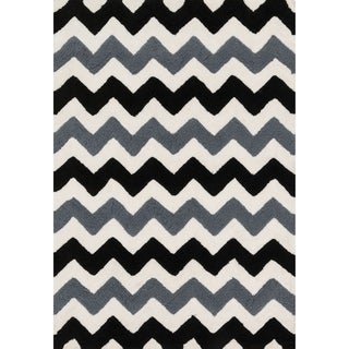 Hand-tufted Riley Black/ Charcoal Chevron Shag Rug (3'0 x 5'0)