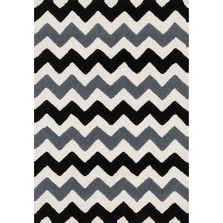 Hand-tufted Riley Black/ Charcoal Chevron Shag Rug (5'0 x 7'0)