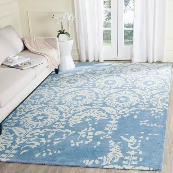 Safavieh Handmade Bella Light Blue/ Ivory Wool Rug - 8' x 10'