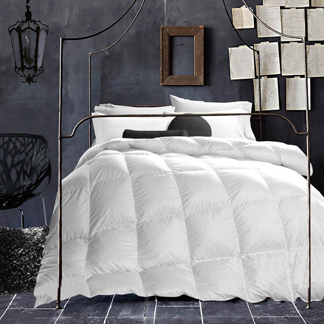 White Wool-filled 200 Thread Count Cotton Comforter (Twin)