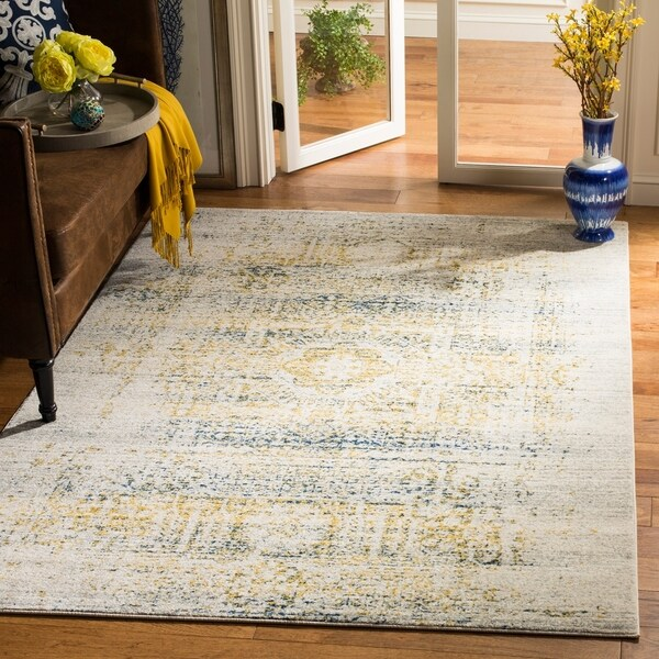 Safavieh Evoke Vintage Distressed Ivory / Blue Distressed Rug - 6'7 x 9'