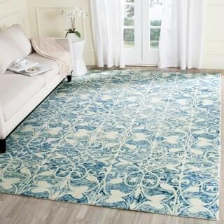 Safavieh Handmade Chatham Dark Blue/ Ivory Wool Rug - 6' x 9'