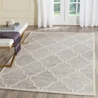 Safavieh Handmade Cambridge Light Grey/ Ivory Wool Rug - 5' x 8'