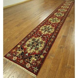 H9234 Red Wool Heriz Serapi Hand-knotted Runner Rug (2'5 x 20')