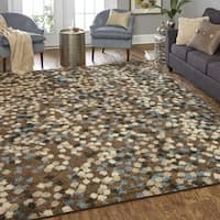 Mohawk Home Neutral Dot Pattern Area Rug (8' x 10') - 8' x 10'
