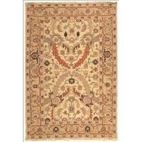 Safavieh Hand-woven Sumak Ivory/ Gold Wool Rug - 6' x 9'