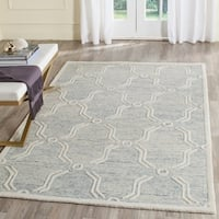 Safavieh Handmade Cambridge Light Blue/ Ivory Wool Rug - 8' x 10'