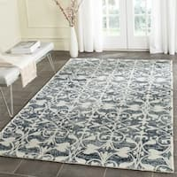 Safavieh Handmade Chatham Charcoal/ Ivory Wool Rug - 5' Square