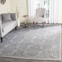 Safavieh Handmade Cambridge Light Blue/ Ivory Wool Rug - 6' Square