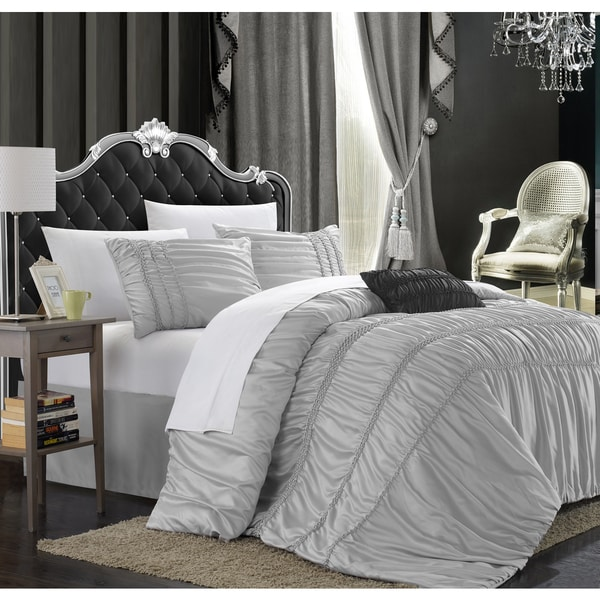 Chic Home Romano 4-piece Silver Queen-size Duvet Cover Set