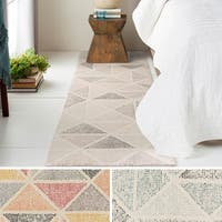 Oliver & James Etty Hand-tufted Wool Triangle Area Rug - 2'6 x 8'