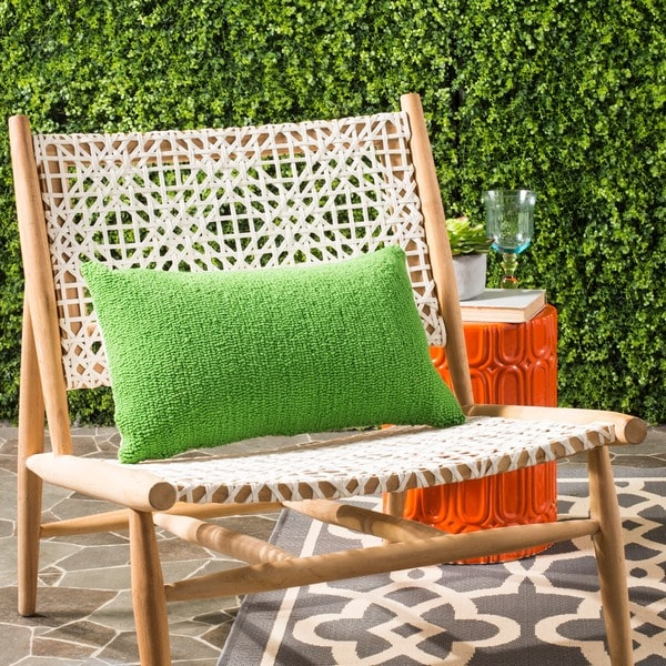 Safavieh Soleil Solid Indoor/ Outdoor Sunshine Green 12-inch x 20-inch Throw Pillows (Set of 2)