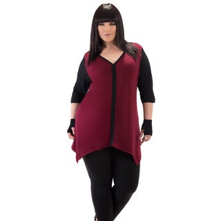 Full Figured Fashionista Women's Burgundy Plus Size Sharkbite Top